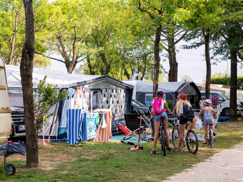 Piazzola - camping with tents and bicycles