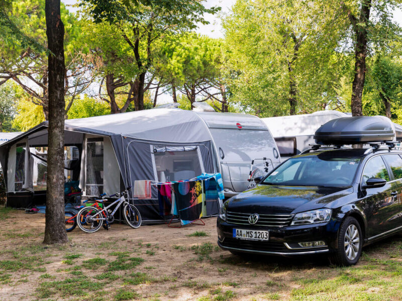 Piazzola - camping with tent and car