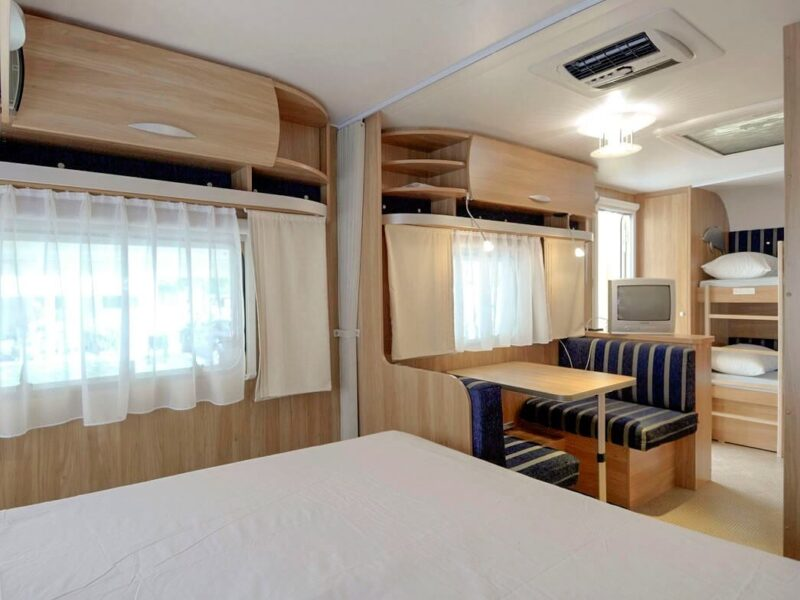 Caravan - beds and room